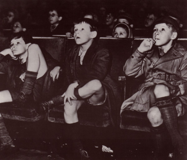 Children in the cinema in the early 1900s